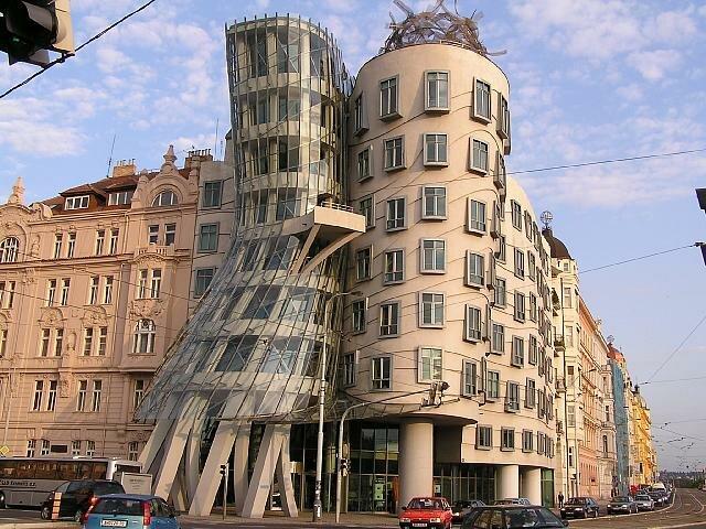 //Photo/Танцующий дом/Танцующий дом в Праге.